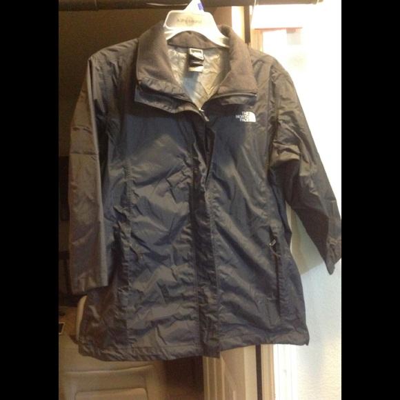 e4ed97710 Women's lightweight North Face windbreaker jacket